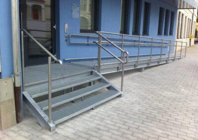 Schlosserei Strodl Rampe mit Treppe