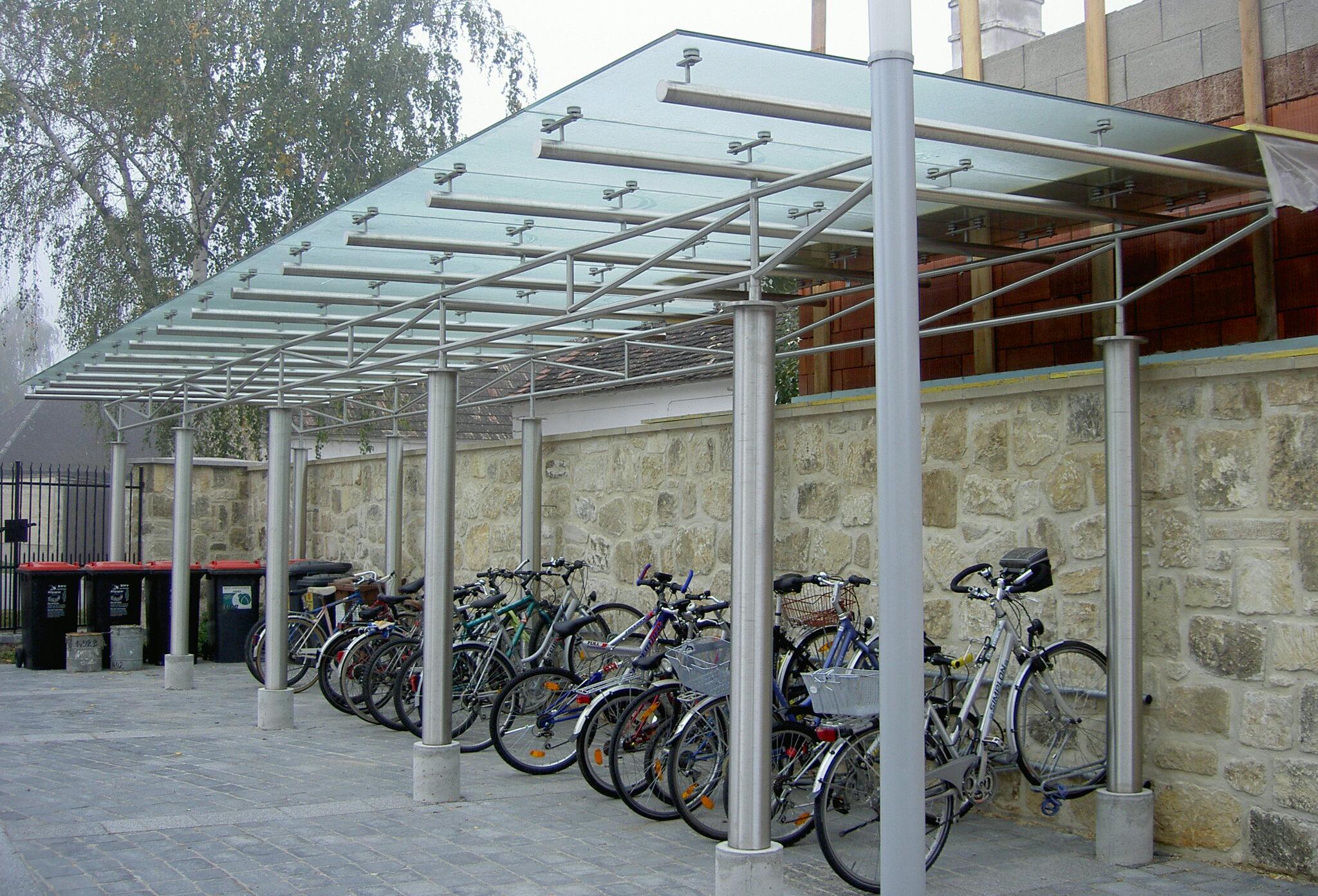 Schlosserei Strodl fahrradunterstellplatz_mit_glasdach