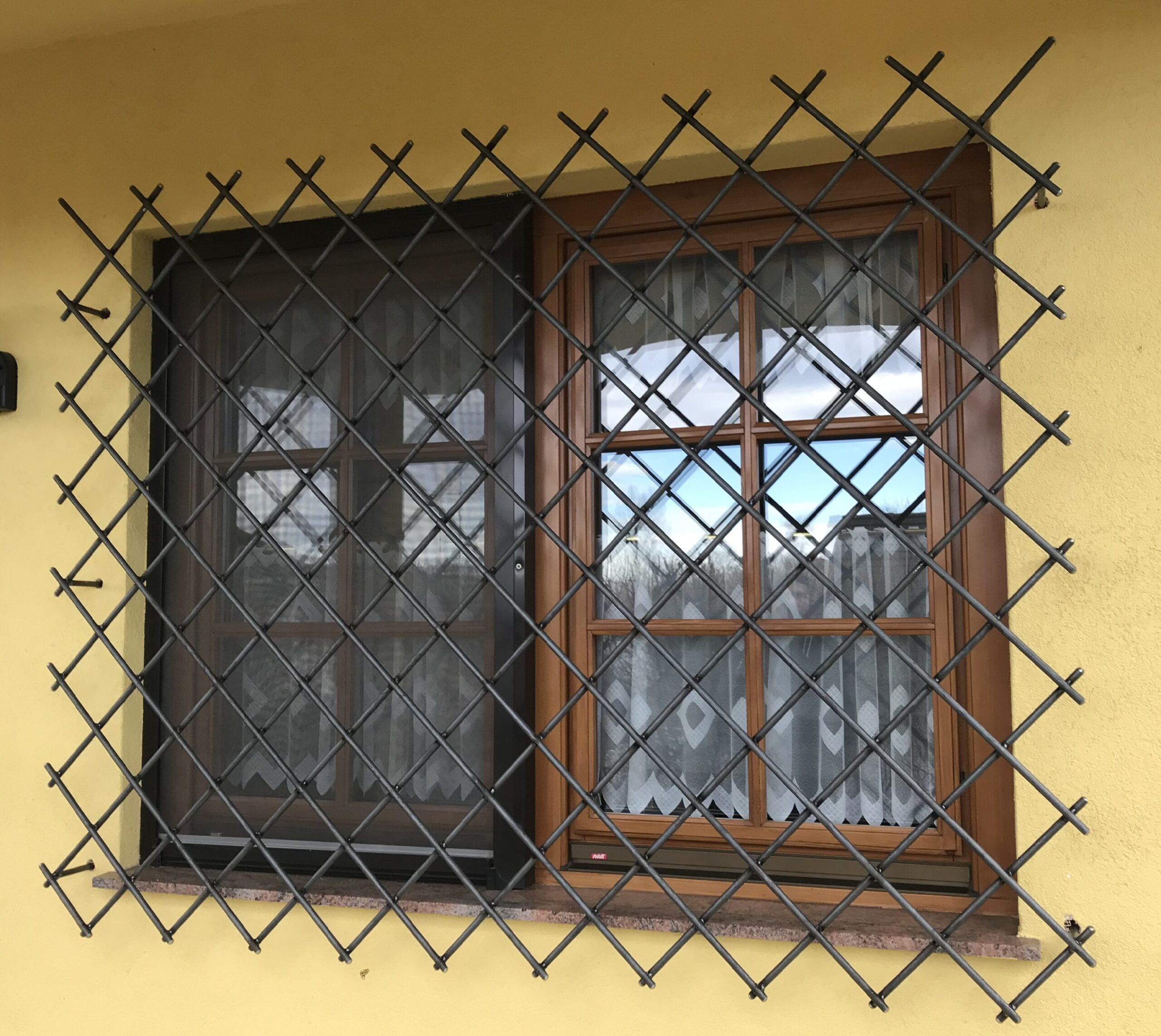 Schlosserei Strodl Fenstergitter aus Stahl