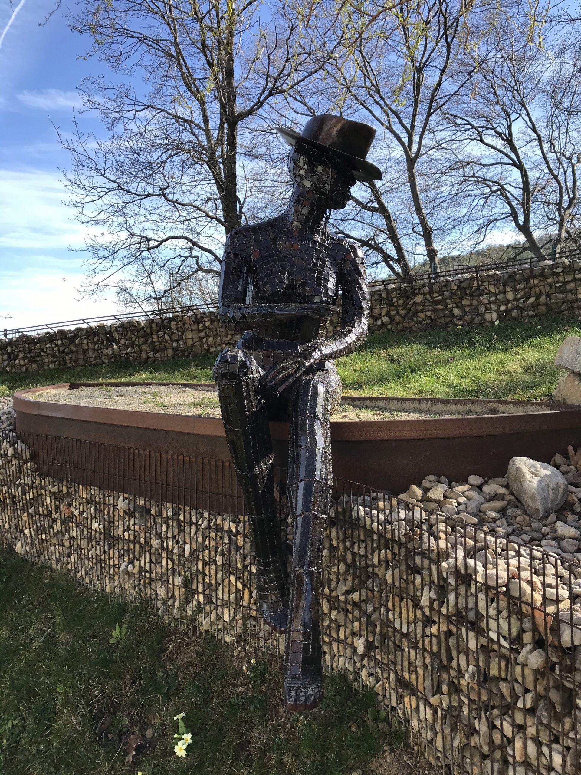 Schlosserei Strodl Skulptur aus Stahl Frau