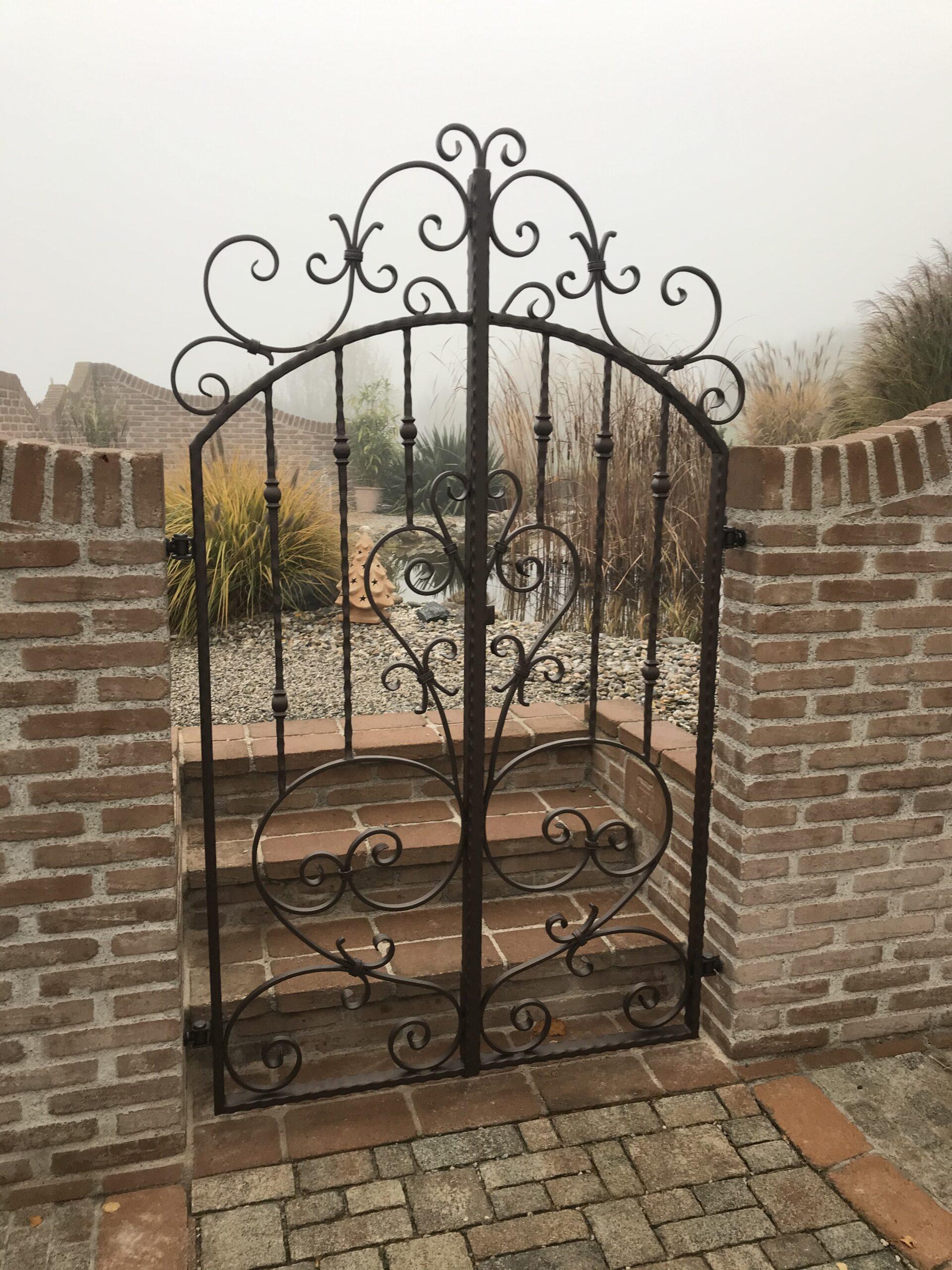Schlosserei Strodl Gartentür aus Schmiedeeisen