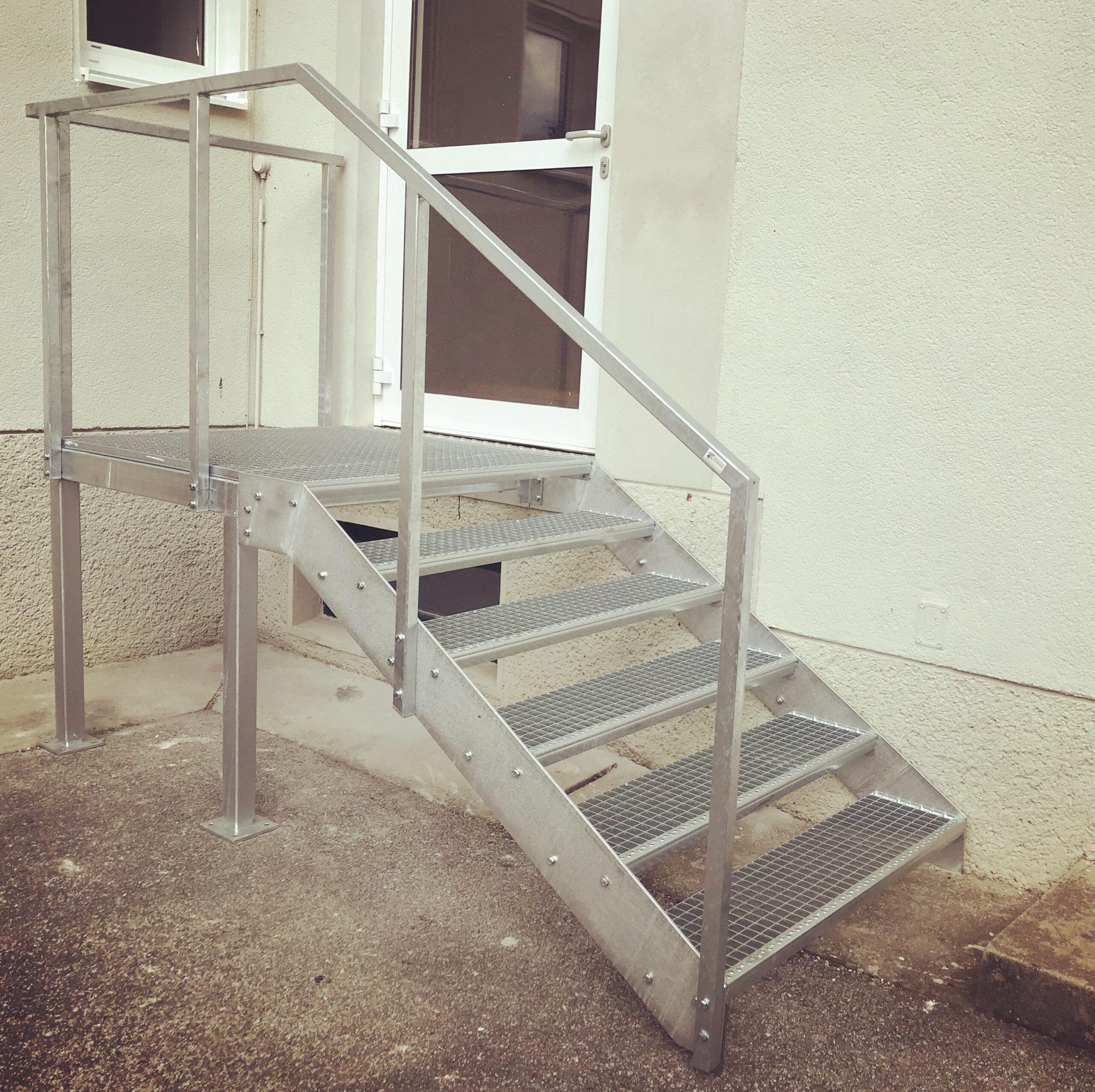 Schlosserei Strodl Stahltreppe verzinkt