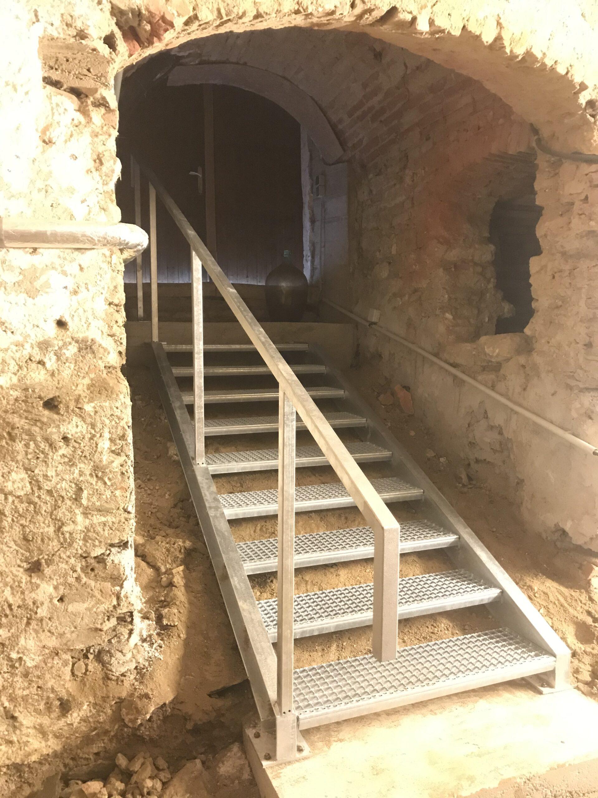 Schlosserei Strodl Stahltreppe mit Geländer