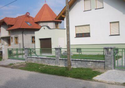 Schlosserei Strodl Zaun mit Krippgitter